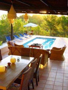 E-terraza cubierta y pool